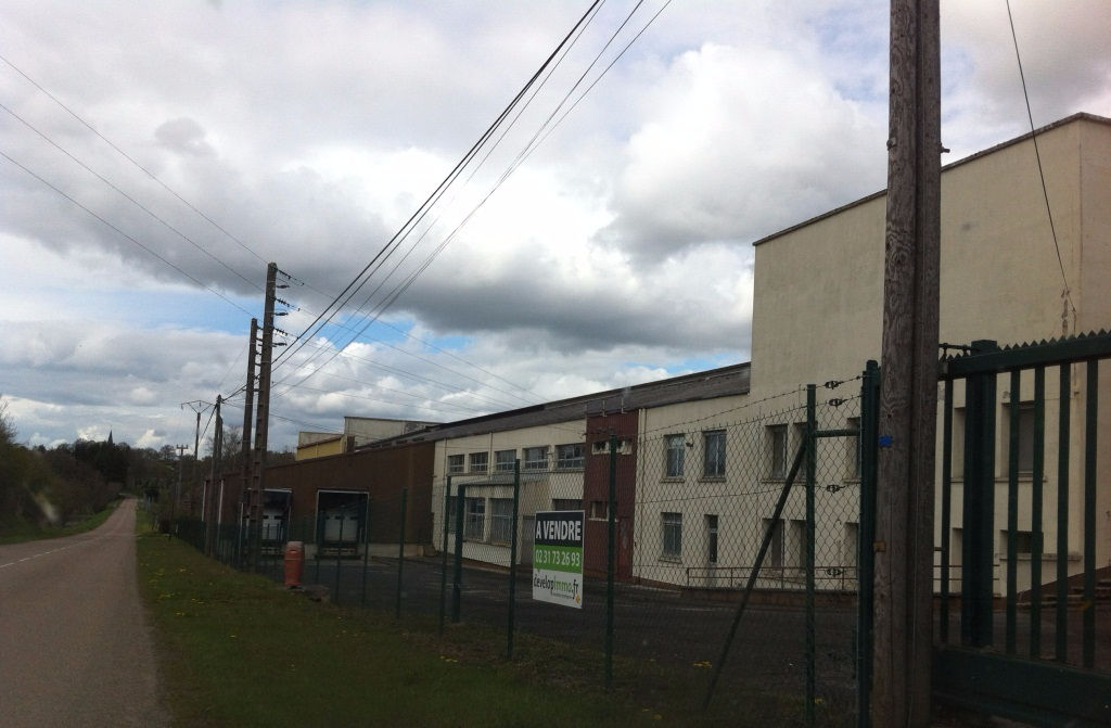 Local industriel - Briouze- 5600 m2